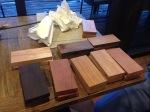 10 tipe kayu berdasarkan kekerasannya dari keras sampai lunak dengan penggunaan outdoor sampai indoor.