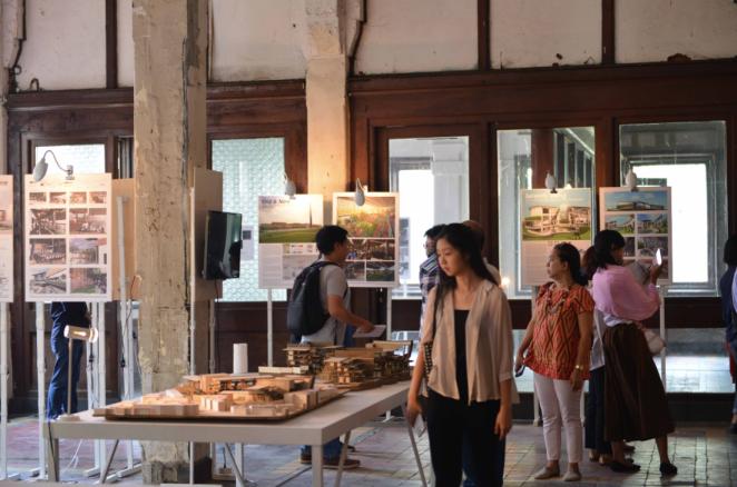 UPH exhibition waktu adalah ruang http://i0.wp.com/www.arsitektur.asia/wp-content/uploads/2015/08/Zona-Tugas-Akhir.jpg