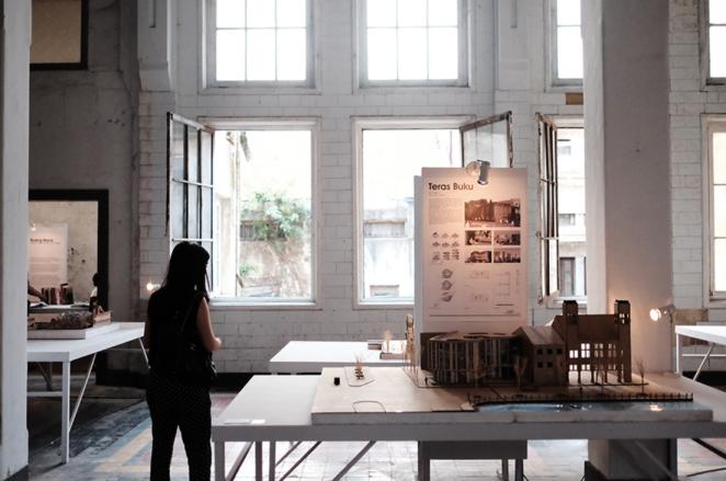 UPH Exhibition Waktu adalah ruang http://media.rooang.com/wp-content/uploads/2015/08/Zona-Kontinum-Kota-Tua.jpg